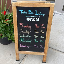 Toulon Public Library District Logo